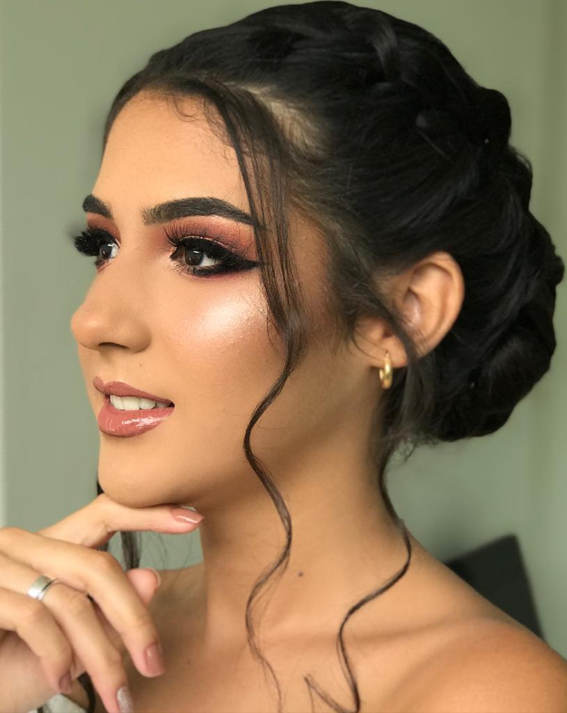 Amanda Moura MakeUp