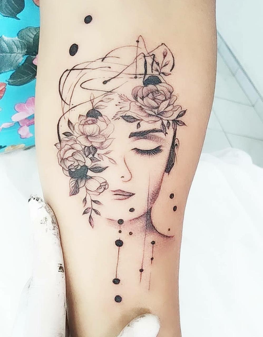 Studio de Tatuagem e Piercing Tynna Bolford
